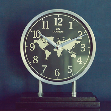 DECORATIVE & STYLISH CLOCKS